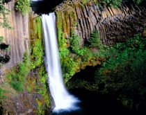 67TWE184.jpg  North America, USA, Oregon, Toketee Falls in the Umpqua National Forest of Oregon